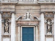 Détail de la façade baroque de style de la basilique de Santa Mari images stock