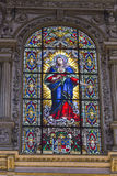 Détail de la fenêtre en verre teinté de la mosquée de cathédrale de Cordob Photos stock