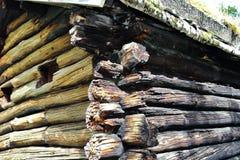 Détail de maison en bois norvégienne traditionnelle images stock