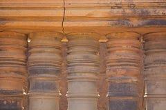 Détail de pilier dans le temple de Banteay Srei Photographie stock libre de droits