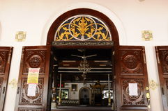 Détail de porte de la mosquée ou du Masjid Tengkera de Tranquerah Images stock