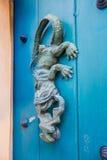 Détail de porte en bois baroque à Carthagène photos libres de droits