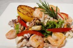 Détail de salade de fruits de mer Images libres de droits