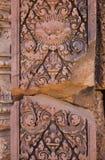 Détail de soulagement dans le temple de Banteay Srei au Cambodge Photos libres de droits
