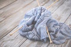 Détail de texture de laine tissée de conception de knit de travail manuel et d'aiguille en bambou de tricotage Rétro modifié la t Images libres de droits