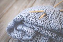 Détail de texture de laine tissée de conception de knit de travail manuel et d'aiguille en bambou de tricotage Rétro modifié la t Photographie stock