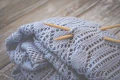 Détail de texture de laine tissée de conception de knit de travail manuel et d'aiguille en bambou de tricotage Rétro modifié la t Images stock