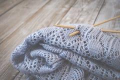 Détail de texture de laine tissée de conception de knit de travail manuel et d'aiguille en bambou de tricotage Rétro modifié la t Photos libres de droits