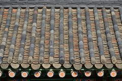 Détail de toit carrelé image libre de droits