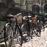 Détail des bycicles dans la rue Photos stock