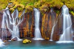Détail des chutes de Hraunfossar Images stock