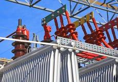 Détail des connexions électriques du grand hydraulique-électr. photos stock