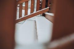 Détail des faisceaux dans le mur de carlingue Bois peint avec la peinture de fongicide photographie stock
