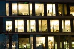Détail des hublots d'immeuble de bureaux Photographie stock