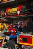 Détail des mesures et des cadrans sur un grand camion de pompiers photo libre de droits