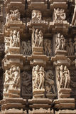 Détail du découpage sur un temple dans Khajuraho, Madhya Pradesh, Indi Photo libre de droits