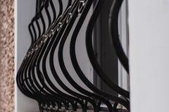 Détail du gril de fenêtre, sécurité à la maison, détails de l'extérieur de la façade image stock