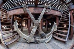 Détail en bois de hublot de bateau de pirate Photos libres de droits