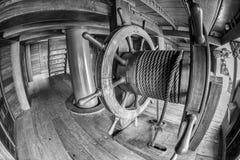 Détail en bois de roue de bateau de pirate Image libre de droits
