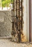 Détail extrêmement délabré et corrodated de construction en béton La Havane Photos libres de droits