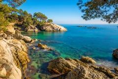 Détail gentil de la côte espagnole en Costa Brava, Platja de Aro image libre de droits