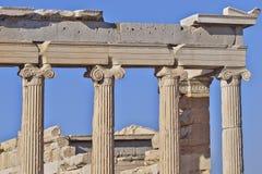 Détail grec de temple d'ordre ionien antique Photo stock