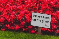 Détail Keep off le parc de vert du ` s de St Stephen de connexion d'herbe dedans photographie stock libre de droits
