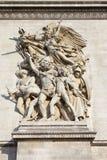 Détail sculptural sur Arc de Triomphe à Paris Photos libres de droits