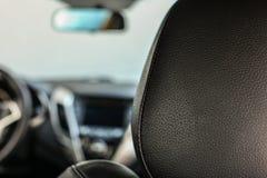 Détaillez la photo de plan rapproché - cuir dessus de retour de siège de passager, avec b images libres de droits