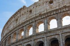Détaillez la vue de la belle architecture du colosseum historique dans r image stock