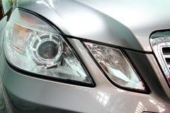 Détaillez un phare de voiture de sport de beauté Images libres de droits