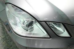 Détaillez un phare de voiture de sport de beauté Photo stock