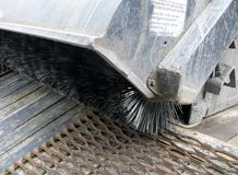 Détaillez une machine de nettoyage de brosse métallique Image libre de droits
