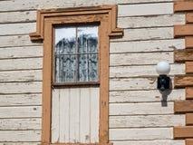 Détails à la maison historiques, épluchant la peinture Photos libres de droits