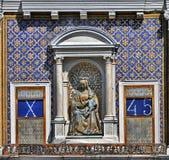 Détails astrologiques de tour d'horloge Image libre de droits