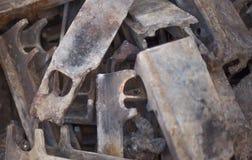 Détails brûlés de fonte de fonte de la mise à feu de grille industrielle Photos stock