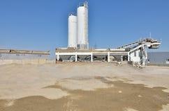 Détails concrets d'usine pendant la journée Photos stock