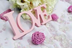 Détails d'amour et de décoration de Word au-dessus de blanc, Image libre de droits