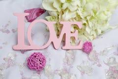 Détails d'amour et de décoration de Word au-dessus de blanc, Photographie stock libre de droits