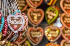 Détails d'un coeur de pain d'épice chez Oktoberfest Photo libre de droits