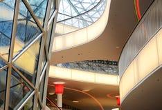 Détails d'un intérieur de l'immeuble de bureaux moderne Images libres de droits