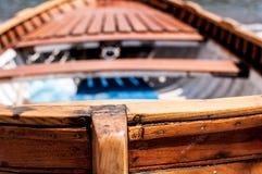 Détails d'un vieux bateau à rames avec le bokeh photo stock