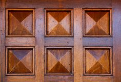 Détails d'une entrée principale en bois images libres de droits