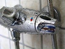 Détails de douche : Robinet de douche Photos libres de droits
