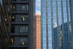 Détails de gratte-ciel à Toronto du centre, Ontario, Canada Images libres de droits