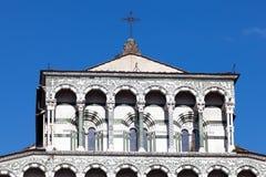 Détails de la façade du San Martino Cathedral à Lucques Photos stock