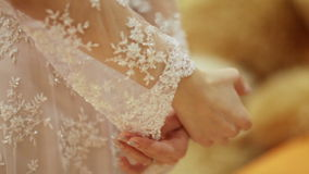 Détails de la robe de mariage banque de vidéos