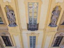 Détails de la villa d'Arconati, des fenêtres de statue et des balcons Villa Arconati, Castellazzo, Bollate, Milan, Italie Silhoue Images libres de droits