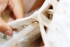 Détails de robe de mariage Photos stock