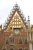 Détails de vue de face d'hôtel de ville de Wroclaw Photos stock